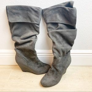 NINE WEST Gray Suede Scrunch Plataform Wedge Boots